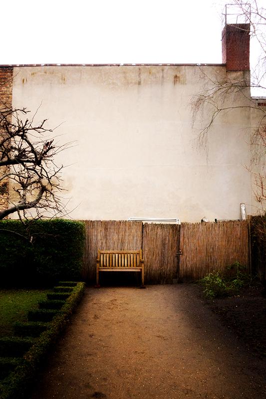 Título: The Bench <br> www.emilianojatosti.com