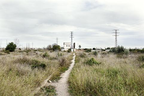 De la serie: No one's land <br> Web: www.dominguezalcaraz.com